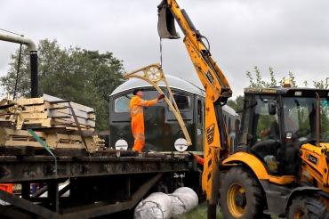 Phil Bailey Unloading materials - 14 Sept 19